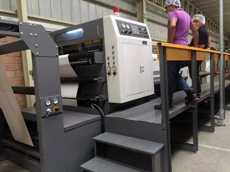 JT-SHT-1900C-Rotary-Paper-Roll-to-Sheet-Cutting-Machine-4